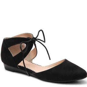 New In Box Restricted Lily Black Flat